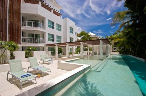 Resort Pool - 201 Lake Street