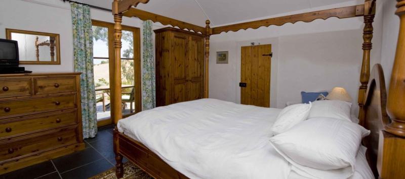 Bedroom - Brooklands Heritage B&B