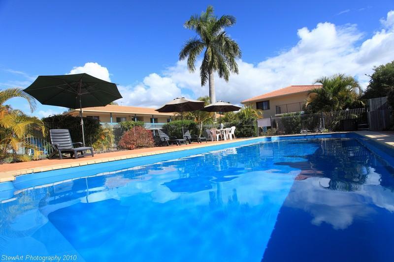Heated Pool - Comfort Inn & Suites Arlia Sands Apartments
