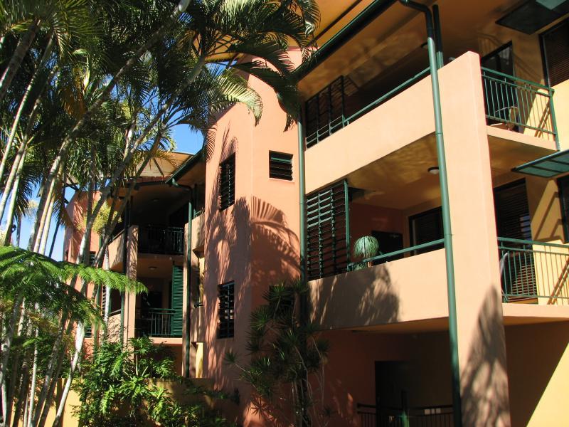 Tropical Feel at Bermuda Villas - Bermuda Villas Noosa