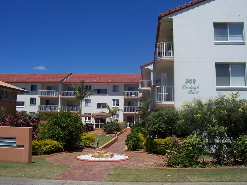 Exterior - Burleigh Point Holiday Apartments