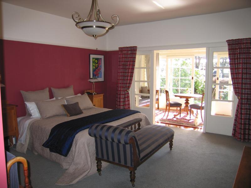 Morse Suite - Cheltenham House