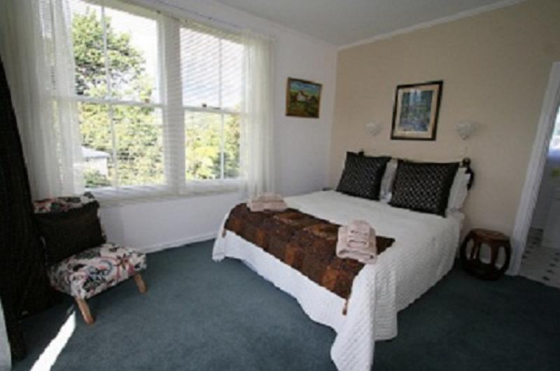 Holker room - Cotswold Cottages