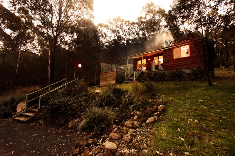 .. on deck spas with views to the stars .. - Cottages on Mount View