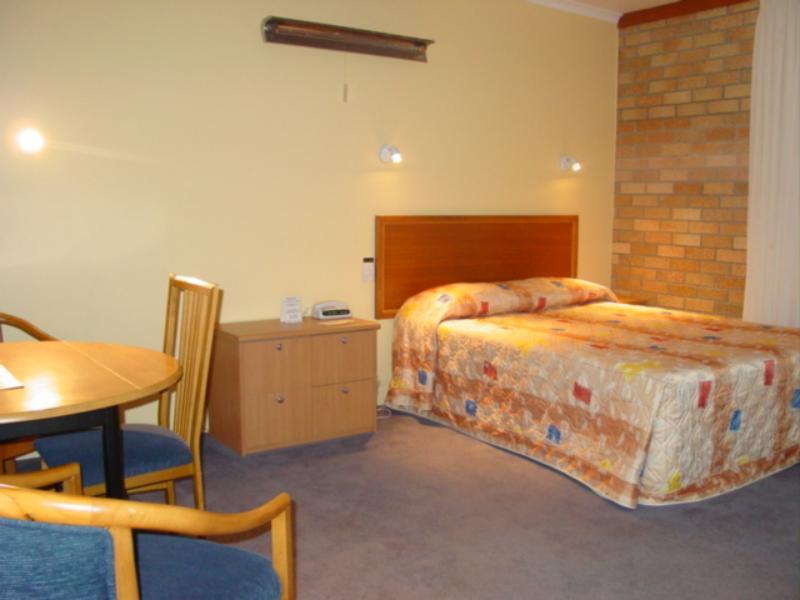 deluxe room queen bed - Cudgegong Valley Motel