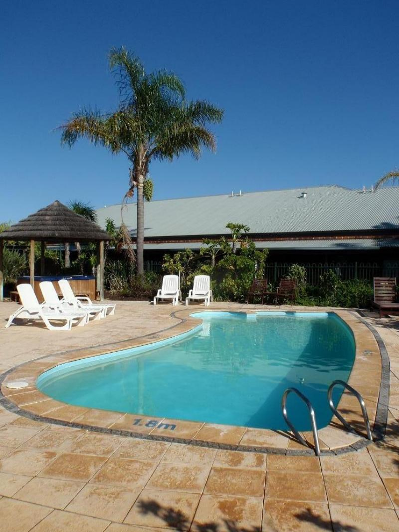 Pool Area - Dunsborough Central Motel