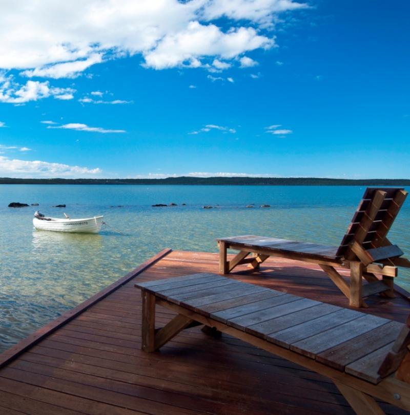 Lakeside deck, luxury lake pavilion - Eumarella Shores Noosa Lake Retreat