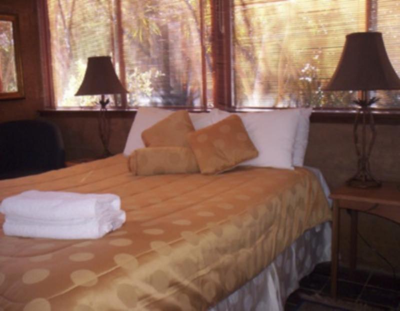 Room - Forest Retreat Bed & Breakfast