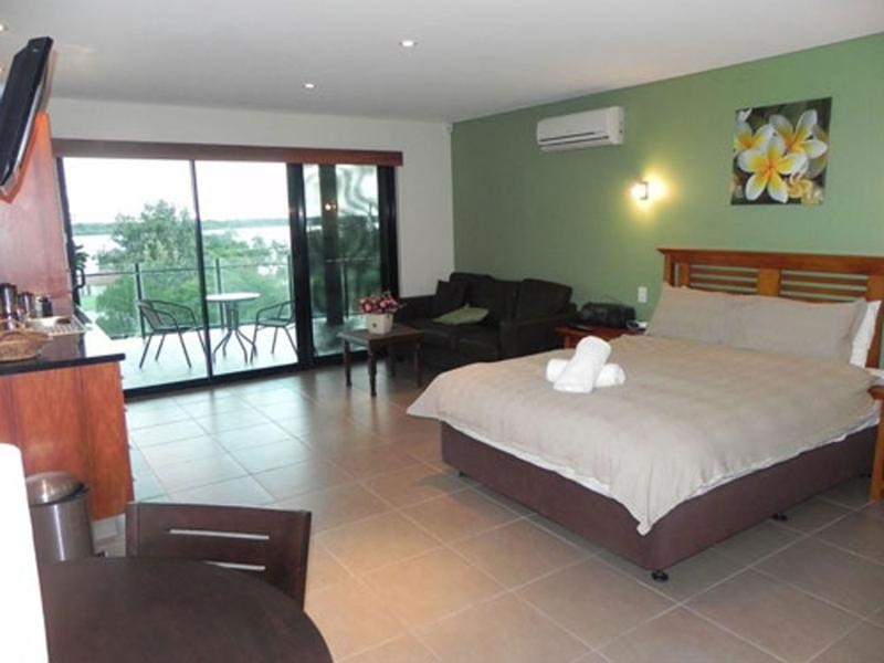 Allure Bedroom - Leisure-Lee Holiday Apartments