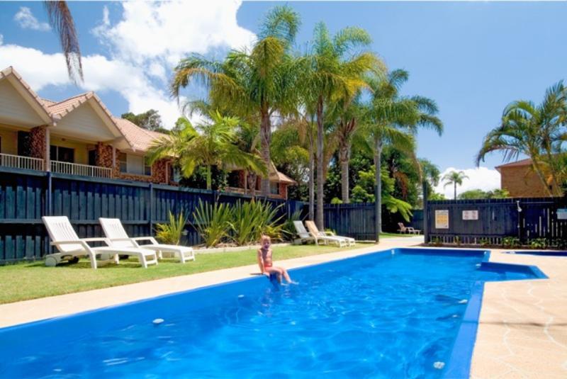 HEATED 12M LAP POOL & SPA - Ocean Spray Holiday Apartments