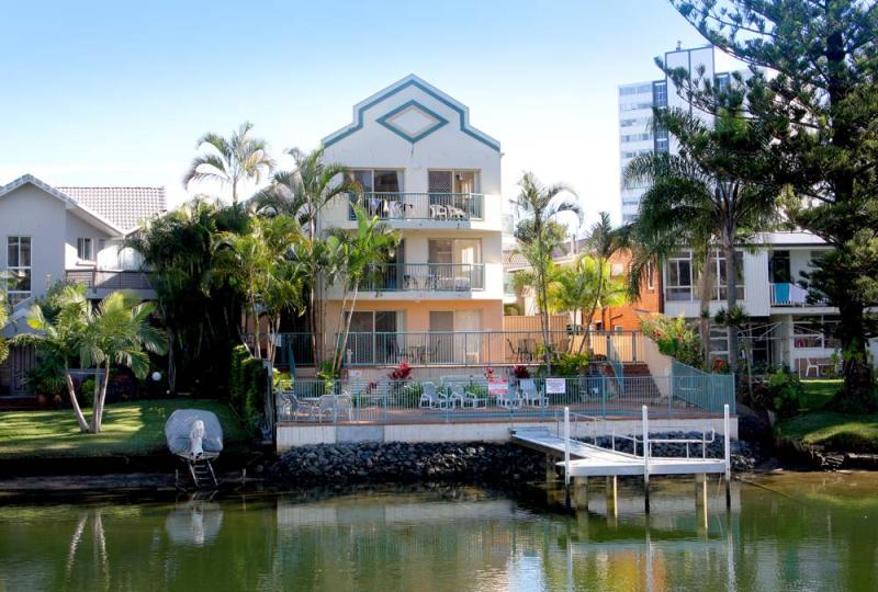 Building From The Water - Surfers Riverside Holiday Apartments