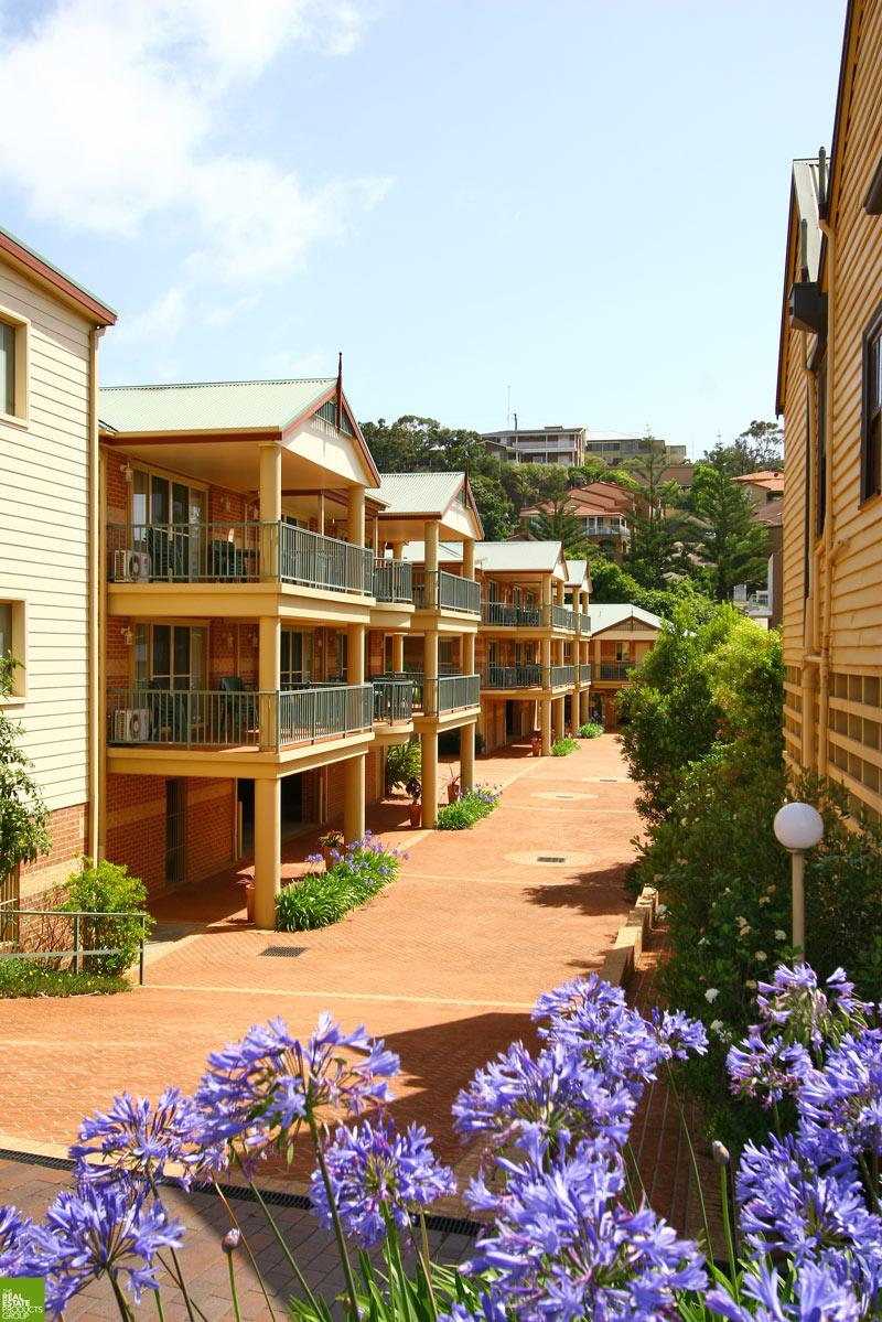 View from entrance - Terralong Terrace Apartments