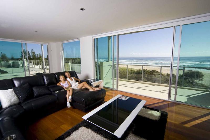 3 bedroom Penthouse - The Beach Resort Cabarita