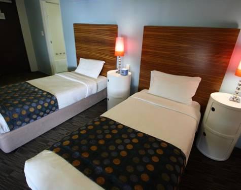 Abey Hotel Pool Twin Single Surreyhills - Abey Hotel