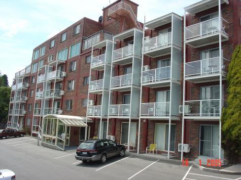 Adina Place external - Adina Place Motel Apartments