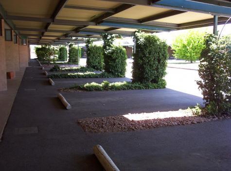 Undercover parking - Barossa Motor Lodge