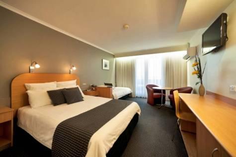 Room - Beachfront Voyager Motor Inn