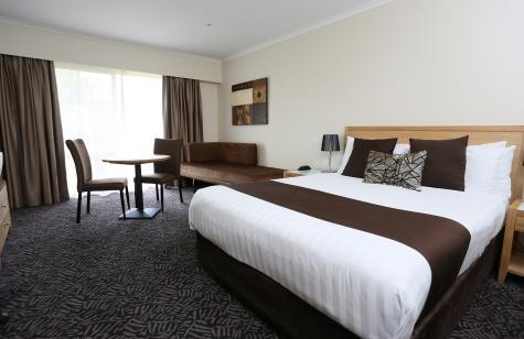 Deluxe Queen Room - BEST WESTERN PLUS Hovell Tree Inn