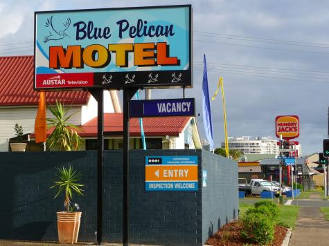 Front Entry - Blue Pelican Motel