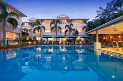 Cayman Pool - Cayman Villas Port Douglas