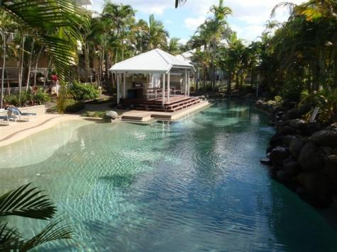 BBQ and Pool Area - Diamond Cove Resort
