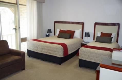 Deluxe Twin Room - Ensenada Motor Inn