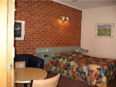 Studio - Footscray Motor Inn