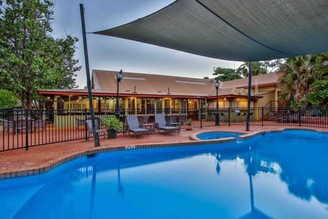 Pool - Kimberley Hotel