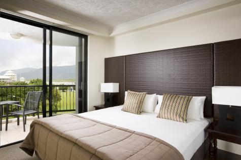 1 Bedroom Apartment City View - Mantra Esplanade Cairns
