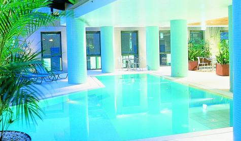 Hotel Pool - Adina Apartment Hotel Sydney, Town Hall