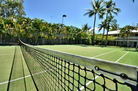 Tennis Court - Nimrod Resort Apartments