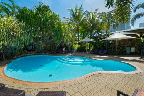 Outdoor Swimming Pool - Palms City Resort