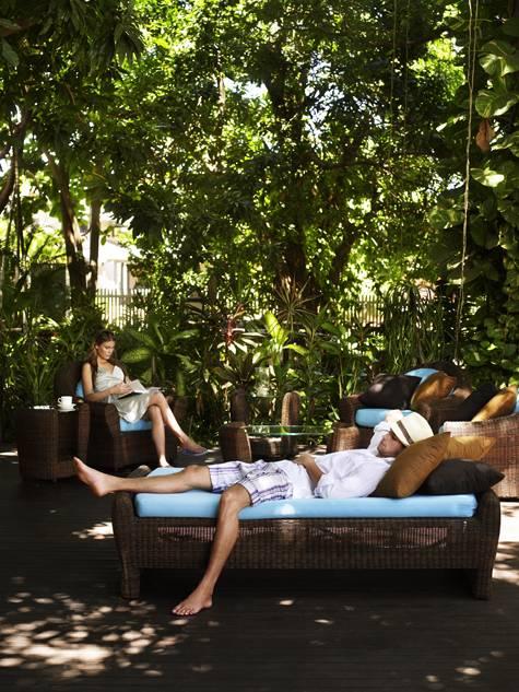 Garden deck - Pinctada McAlpine House