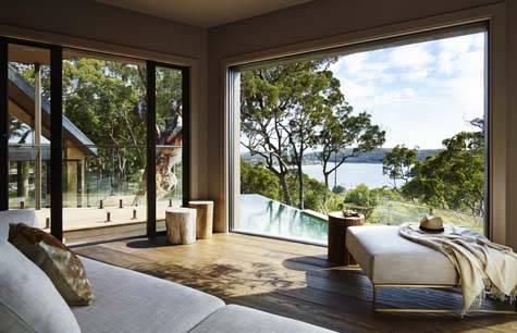 Guest Lounge - Pretty Beach House