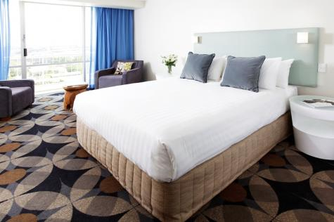 Delux Queen Room - Rydges Gladstone