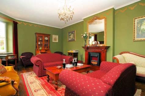 Guest Lounge - The Lodge On Elizabeth